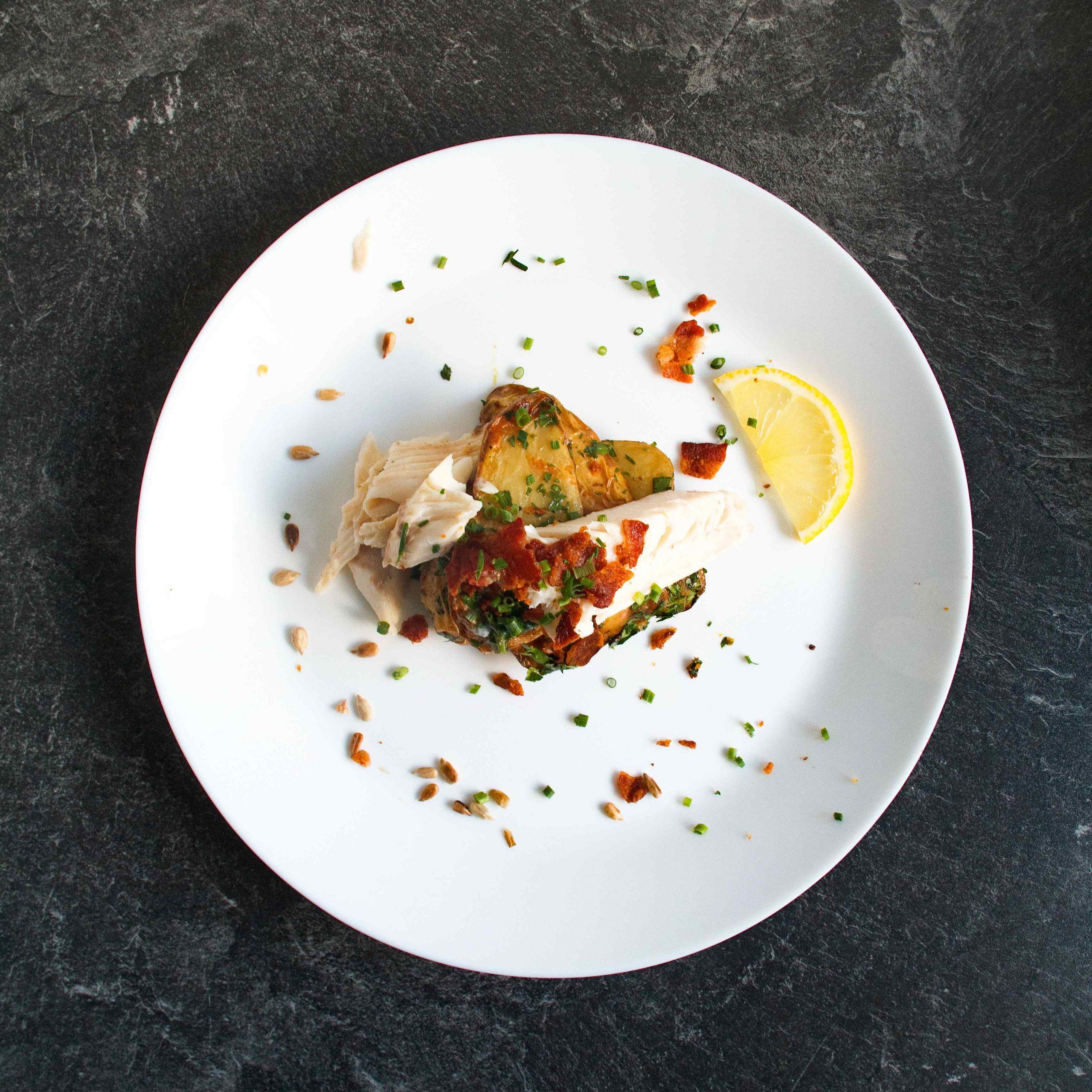 Gegrillte Forelle mit gesmoktem Kartoffelsalat