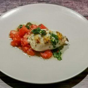Gefüllter Calamari Tube auf Tomaten-Paprika-Salsa 1